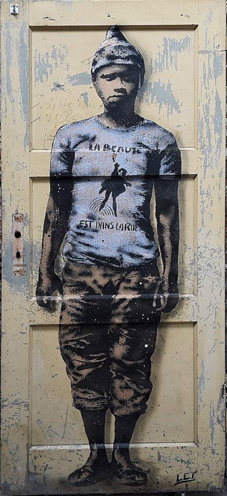 LET - La Beaute est dans la rue, Spray paint on Somerset Velvet - Pretty Portal